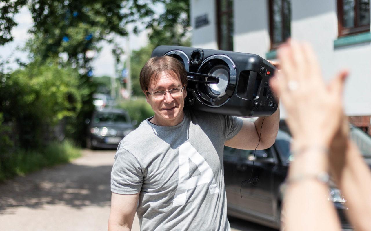 Sommerfest 2019, Andreas mit der Boombox